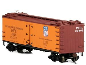 Red Caboose - RR-34001-5 - Wood Sided Refrigerator Car - 25909