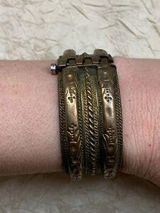 Antique North African Cuff Bracelet - Metalwork - Beautiful engravings - 15cm