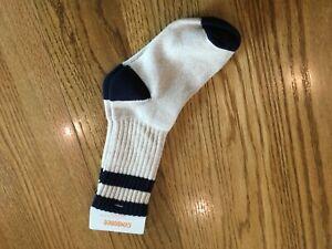 NEW Gymboree Boys Size XS Shoe Size 8-10 Crew Tube Socks Ivory & Navy Blue