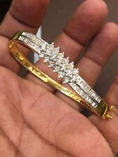 1.75 Cts Round Baguette Cut Diamonds Hinged Bangle Bracelet In Fine 18Karat Gold