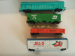 LIONEL HO SCALE 8 Freight Cars RTR!! RTR!!   NR !!