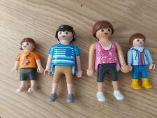 Juego de 4 Figuras De Familia Papá Mamá Playmobile Y Niños