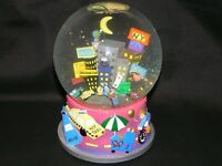LORD AND TAYLOR WATER GLOBE SNOW DOME 2000 MUSICAL NEW YORK HELLUVA TOWN