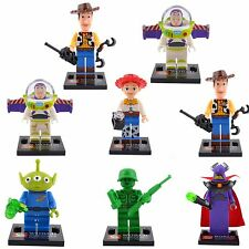 Lot 8 minifig figurines figurina Super héro Toy Story Jessie,Buzz l'éclair,Alien
