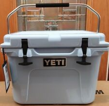 YETI 20 QT.    Roadie  COOLER -  BLUE  -  New in the YETI Box