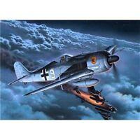 Revell Focke Wulf 190 A8 R11 Modellbausatz 1:72  04165