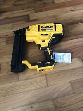 DeWALT DCN680 20-Volt 18-Gauge MAX XR Cordless Brad Nailer (Bare Tool) USED