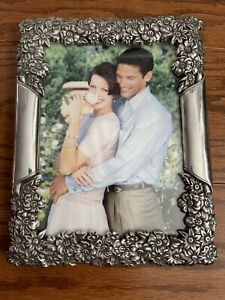 """Brighton Collection 5 x 7"""" Field of Flowers"""" Picture / Photo Frame"""