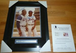 BECKETT HANK AARON & WILLIE MAYS DUAL SIGNED PROFESSIONALY FRAMED 11X14 PHOTO 98