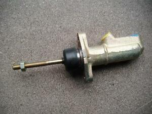 LAND ROVER 88/109 2.3 Brake Master Cylinder 71 to 77  lm38893