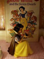 Disney Wdcc Snow White Wont You Smile For Me Porcelain Figurine