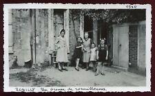 Romilly sur Seine ( Aube )un groupe de Romillonnes.photo ancienne.Septembre 1946