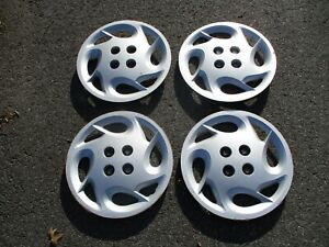 Genuine 1999 to 2002 Saturn S series bolt on 15 inch hubcaps wheel covers beater