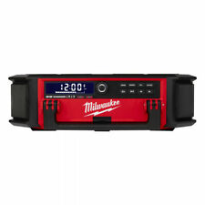 Milwaukee PACKOUT Cordless Radion with Charging Function