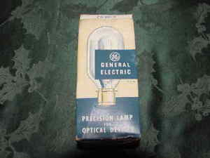 General Electric CL projection PH/500T20/67 DNR 500 Watt Prefocus Base Down Bulb