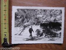 PHOTOGRAPHIE MILITAIRE MAQUISARD AVEC FUSIL ? photo 9X13 cm VINTAGE