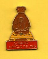 Pin's Lapel pin pins Apiculture Abeille GIRARD APICULTEURS RUCHE BEE HIVE