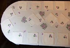 """Service de table 18 couverts lin brodé """"Violettes"""" : nappe 3m45 x 1m60 + 18 serv"""