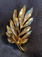Vintage BSK Goldtone Textured spray of LEAVES Leaf Brooch Pin statement vtg
