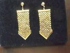 VINTAGE UNSIGNED WHITING & DAVIS MESH GOLD EARRINGS