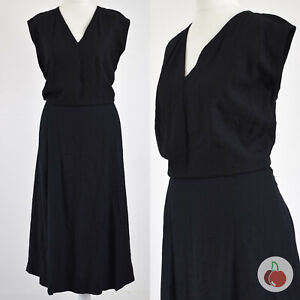 BLACK V-NECK, HANDMADE 1960s VINTAGE MOD SCOOTER DRESS 22