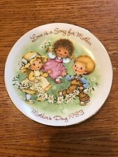 Avon Love Is A Song For Mother Mothers Day Plate 1983 & Gold Trim