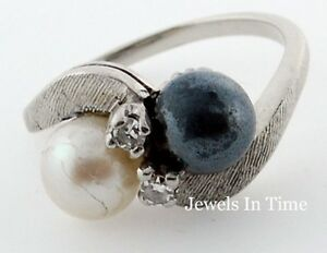 Diamond And Pearl 14K White Gold Ring Size 5.25