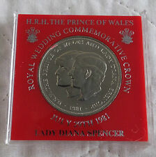 1981 UNC CHARLES & DIANA CROWN - red surround