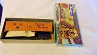 HO Scale Athearn 50' Reefer Box Car Pacific Fruit Express #301527, Blue Box
