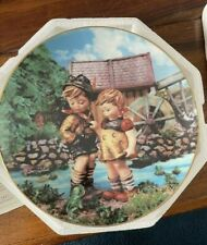 "Danbury Mint Mj Hummel ""Hello Down There"" Plate No.F1600 The Danbury Mint"