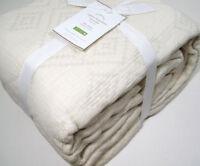Pottery Barn Ivory Regina Matelasse Queen Bed Spread Coverlet Blanket New