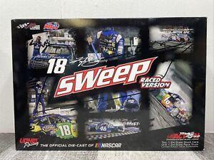 Kyle Busch 2017 Bristol Sweep - Raced Version Diecast Set 1/24 New Open Box