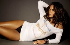Halle Berry Unsigned 8x12 Photo (61)