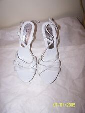 """Womens Lasonia White & Silver Heels Size 8  in Great Condition 4 1/2"""" Heel"""