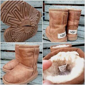 Girls sheepskin classic Ugg boots .Uk 5 INFANT  EU 22.5 brown