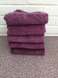 DUNELM GRAPE HAND TOWELS