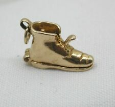1960's Vintage 9ct Opening Boot With Bride And Groom Inside  (8322)