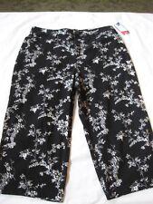 NWT WOMENS CROFT & BARROW BLACK & WHITE CAPRI PANTS, 16