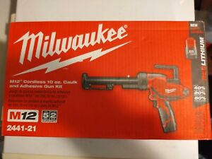 Milwaukee 12-Volt Cordless 10oz Calk and Adhesive Gun Kit 2441-21