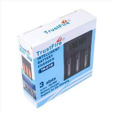 TR-018 TRUSTFIRE CARICABATTERIE INTELLIGENTE PER 32650 26650 18650 A 3 SLOT 3.7v