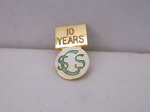 Lapel Pin SCS 10 Years,Gold Tone,Enamel Green & White