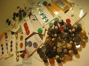 LARGE LOT OF VINTAGE BUTTONS-SOME METAL-LOOSE AND ON CARDS W/VARIOUS NAMES