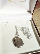 Vintage Retro Sterling Silver Floral Etched Photo Locket Pendant Necklace 925