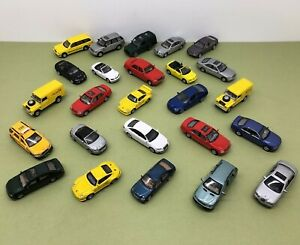 25 x ASSORTED HONGWELL DIE CAST CARS 1/72 SCALE LOOSE PRE OWNED SEE LISTING