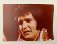 "ELVIS  PRESLEY CANDID  3.5 x 5 ""  RARE PHOTO UP CLOSE WITH THE KING"