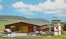 Busch 1043 Sport-Flugplatz mit Tower und Hangar Lasercut Bausatz HO 1:87 Neu