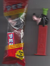2 Goofy Pez Dispenser 1997 Red base Disney One Loose One Sealed