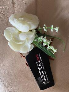 BNWT Boohoo Wedding Guest  Prom flower wrist corsage