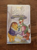 VHS Winnie the Pooh Seasons of Giving 2000 Clam Shell