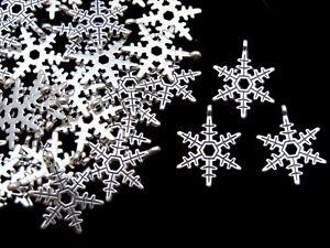20 Pcs - Tibetan Silver Xmas Snowflake Charms 23mm Pendant Festive Christmas Q93